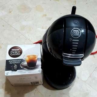 Nescafe Mini Me Coffee Maker