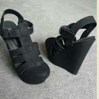 Black Wedges Size 6