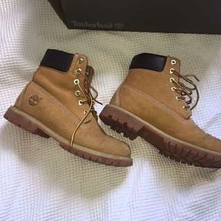 Size 7 Woman's Timbs