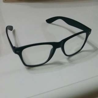 Black Spec-clear Plastic Lens
