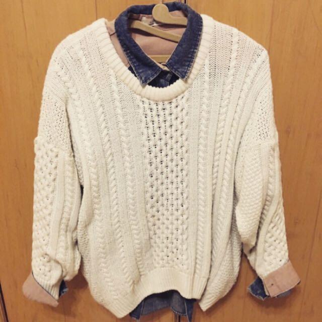 米白色針織毛衣