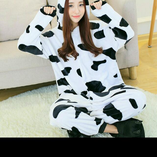 乳牛款珊瑚絨睡衣套裝
