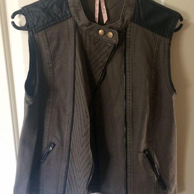 Ally Vest