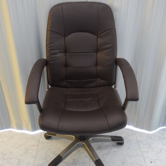Black Adjustable Office Wheel Desk Chair with Handrests