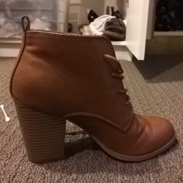 Brown Hugo Hella Boot