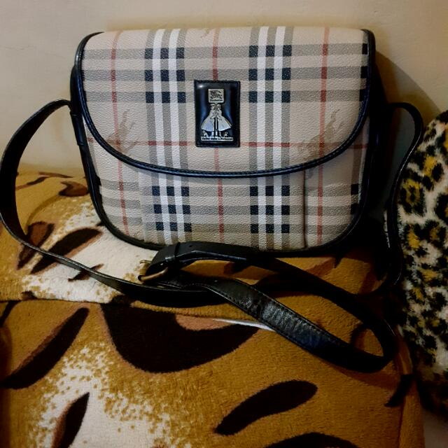 burberry sling leather bag