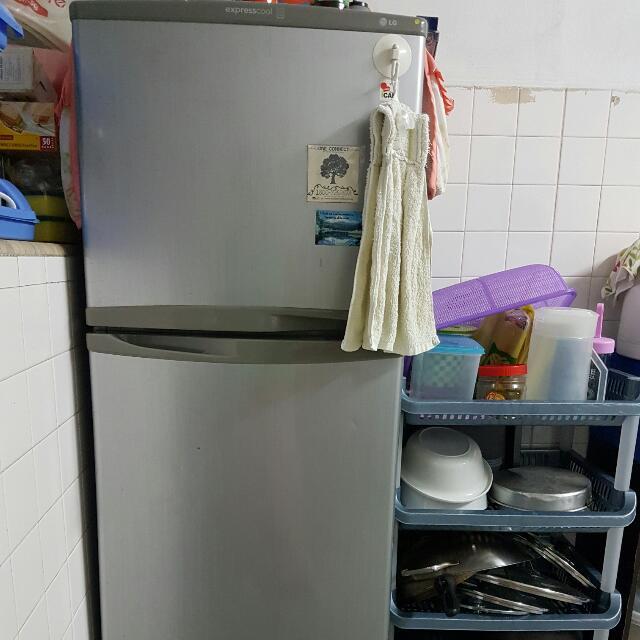 PRICE REDUCED. LG Refrigerator