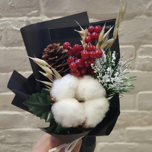 Mini Bouquets - Cotton Flower Hand Bouquet / Christmas Flowers ...
