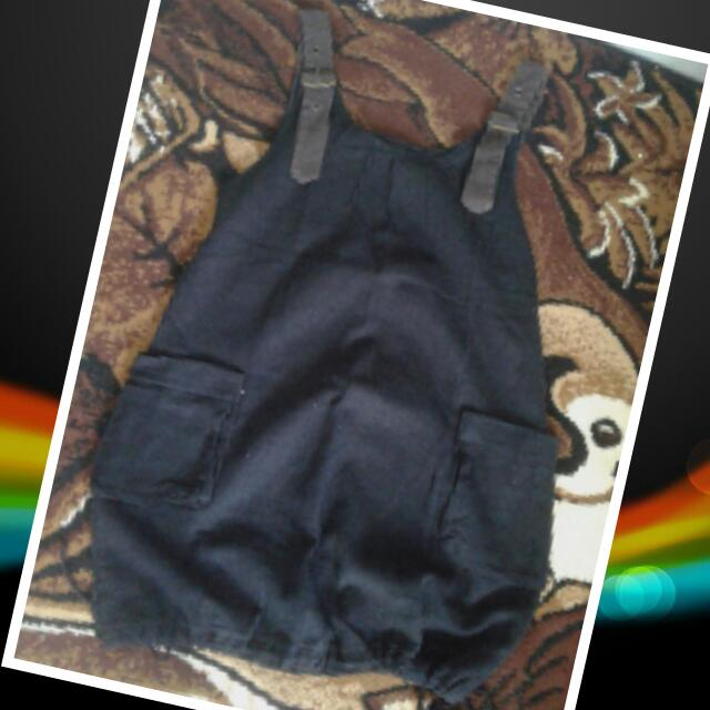 Overall Hitam size M