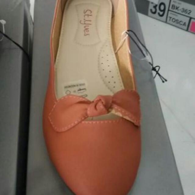 Sepatu Styves