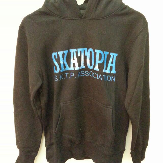 Skatopia 銀河圖樣logo帽TEE 黑色 近全新 Size : S