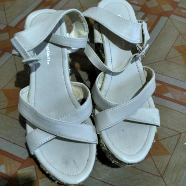 TITIP JUAL Wedges White