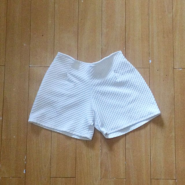 White Shorts With Stretchable Waist