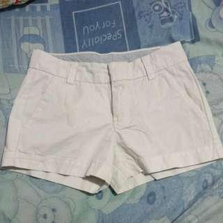 Uniqlo Shorts (WHITE)