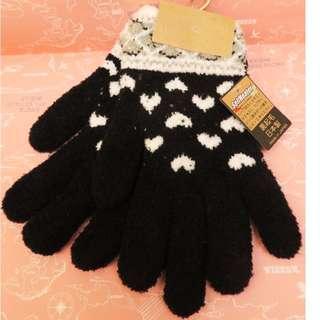 日本製手套 柔暖親膚感超棒 好感度破表愛心款 內起毛 保暖SelfHeater技術加工(甘菊及辣椒精華)