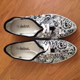 Debut Pointed Slip Ons