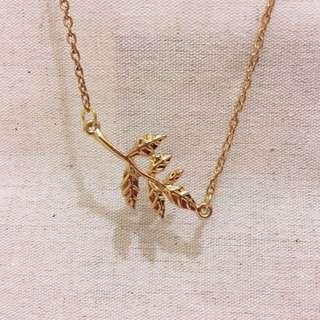 🎅🏻🌲樹葉形仿金頸鏈+耳環 Set