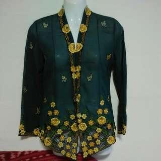 BN Nyonya Kebaya  Size :. S Special Price $85