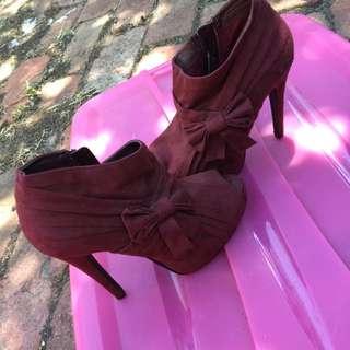Bow Tie Heels