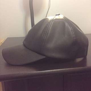 838f983bf83cf Aritzia Wilfred Free Leather Hat