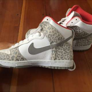 Woman's Nike High Tops