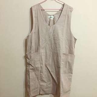 藕粉色背心裙