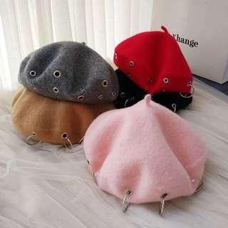 Pita歐美韓系街拍風格大圓圈圈洞洞羊毛質感貝雷帽畫家帽預購品實拍