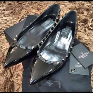 Authentic Brand New Valentino Garavani Noir Rockstud Black Flat