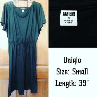 Uniqlo batwing black dress, cotton/polyester material