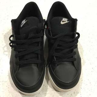 Ladies Nike Shoes