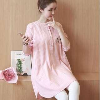 T9517#春孕婦-時尚韓豎條紋中長款襯衫-XL 2XL 3XL 4XL 淺藍色.粉紅色