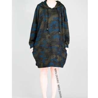 「轉賣」鹿西太太。棉混紡連帽迷彩織紋寬鬆休閒洋裝(藍系)。大尺碼