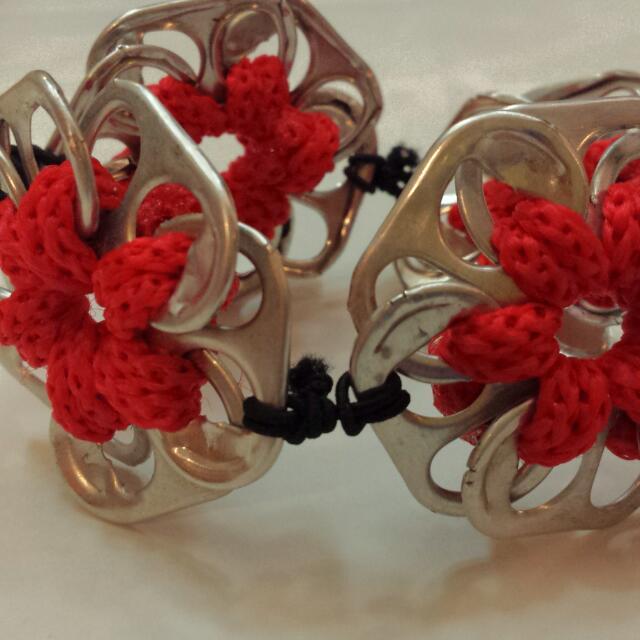 4-Flower Tab Bracelet