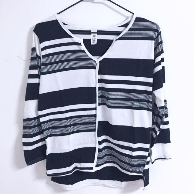 不規則黑白橫條長袖上衣