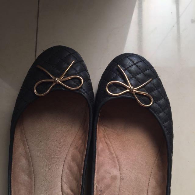 Black Flatshoes Pazzion