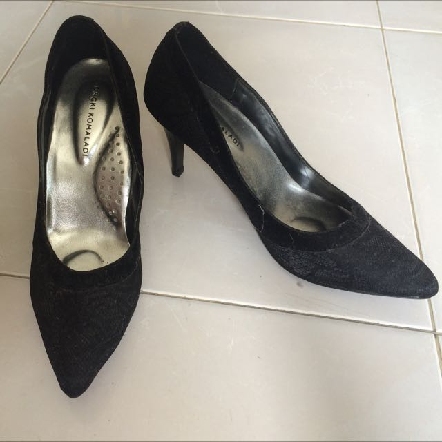 Black Stiletto Yongki Komaladi