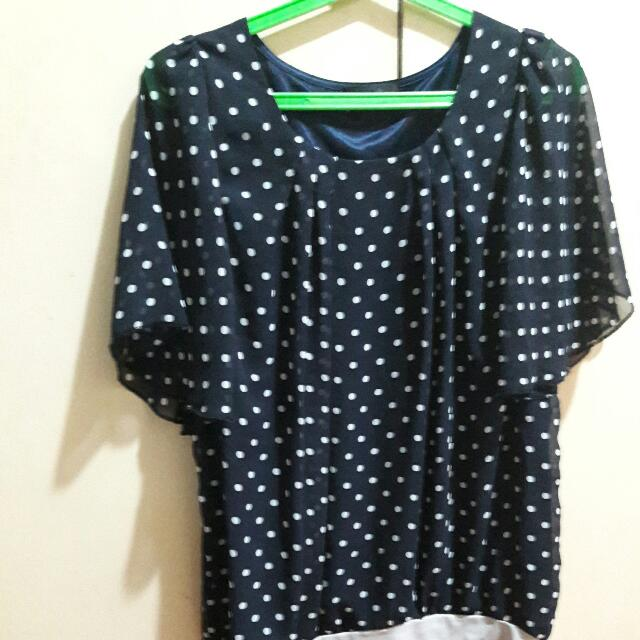 Blouse fits medium up to xl