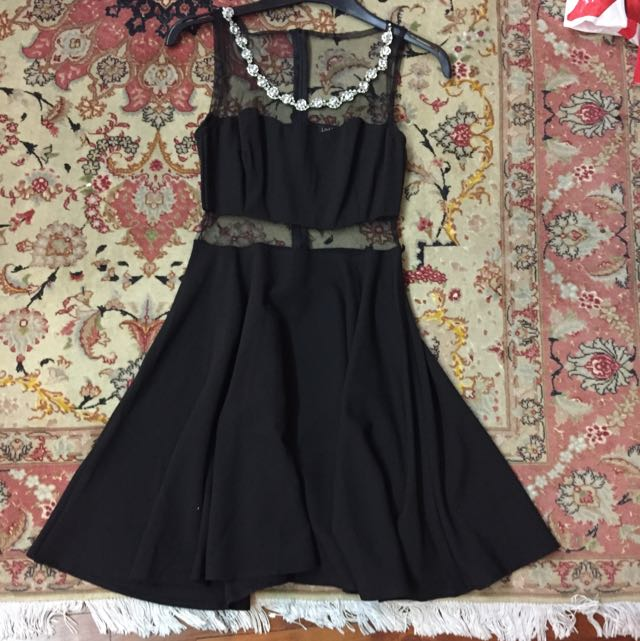 Lookbook Store Size 8 Cut Out Dress