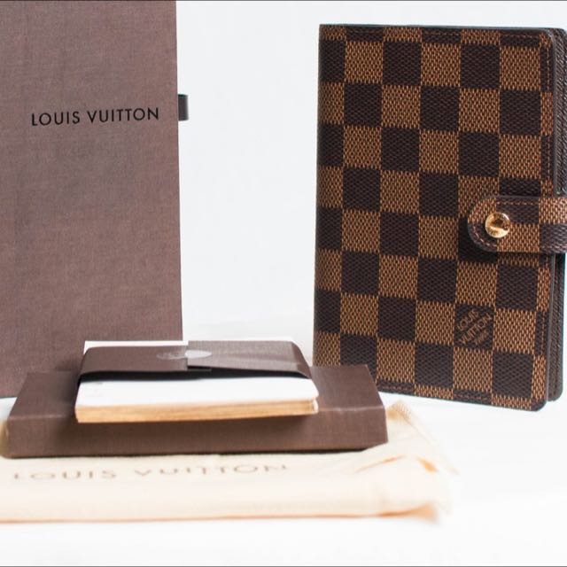 a3e7d86576ae Louis Vuitton Small Ring Agenda Cover