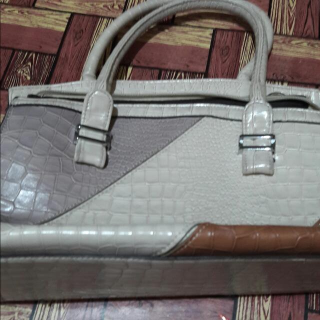 No brand bag