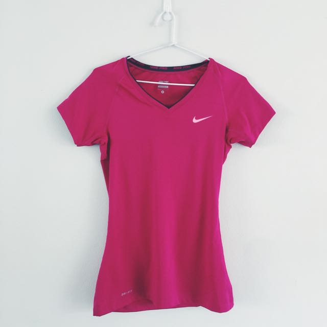 PINK NIKE PRO GYM SHIRT SIZE SMALL