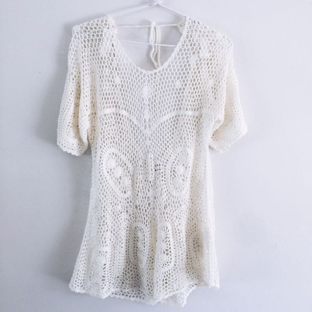 SOMEDAYS LOVIN OPEN BACK CROTCHET PLAYSUIT SIZE SMALL
