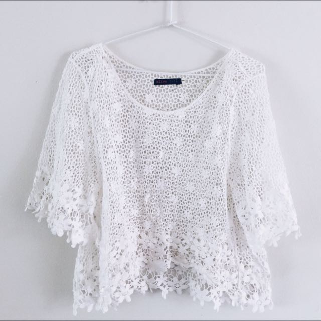 WHITE CROCHET TOP SIZE MEDIUM