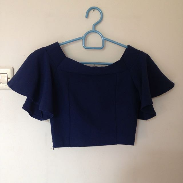 YUAN NAVY SABRINA CROP TOP