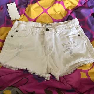 Preloved Ripped Hot Pants Ada Fashion