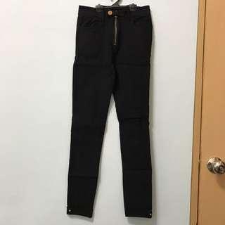 高腰率性黑褲
