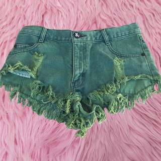 🐉 Green one teaspoon ripped shorts