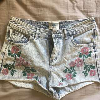 Bellfield Embroidered Cutoff Shorts Size 14-16