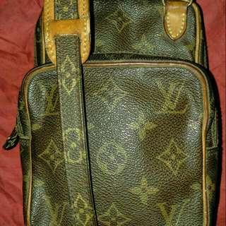 Lv Petite Vintage Mono Sling Bag