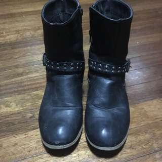 Pre Loved Parisian Boots (size 8)